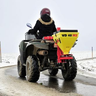 Snow and ice removal spreader WD 40 M2